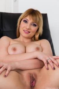 Hot Big Boobed Lucie Fernandez Sucking Good