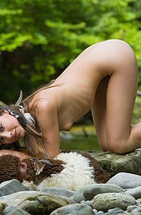 Latina angel Lorena posing nude outdoor