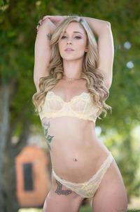 Hot Blonde Pornstar Kali Roses
