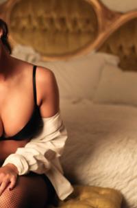 Sensuel Busty Brunette Kylie Morgan