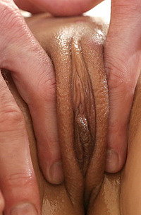 Oiled Girl Ariel Grace Get Massage And Blowing