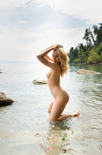 Maya Rae Strips Hot In Nature