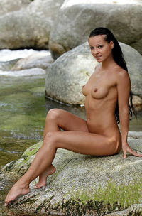Melissa Nude By The River-02