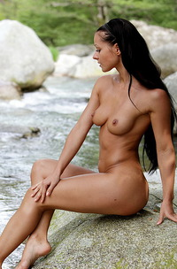 Melissa Nude By The River-08