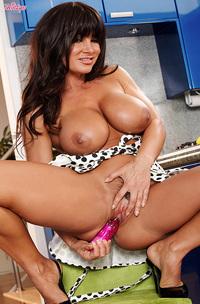 Lisa Ann Sexy Housewife-14