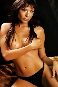 Kari Wuhrer Lovely Nude Photos