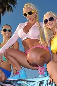 Molly Cavalli Skateboard Chicks