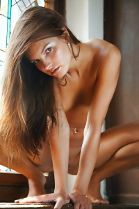 Carina Sexy Nude Babe
