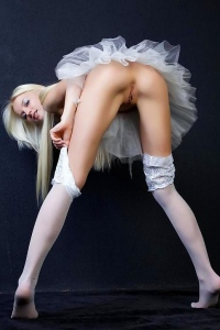 Naked Sexy Ballet Dancer