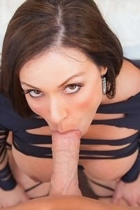 Kendra Lust Stunning Sexy MILF Porn Pic Gallery