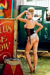 Carly Lauern At The Circus In Stockings Porn Pic Gallery