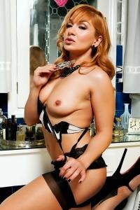Lea Lexis Black And White