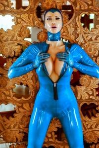 Bianca Kinky Rubber Blues