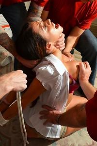 Pornstar Platinum Ariella Ferrera In Bound By