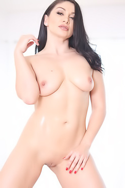 Lea Lexis Plays With Oil