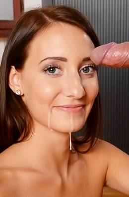 Heather Harris Gets Covered Her Face With Cum
