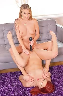 Foot Fetish Lesbians Leila Smith And Angel Piaff