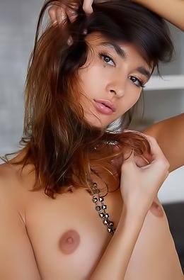 Gorgeous Bambi Joli Teasing Nudes