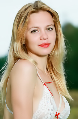 Presenting Elisa Liv
