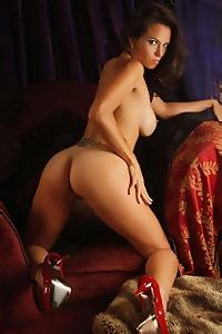 Julia Faire Stripping