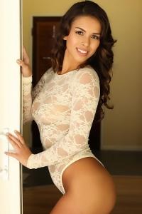 Amanda Marie sexy white outhit