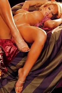 Shannon Stewart posing nude