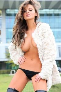 Dana Harem nude in public