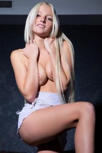 Stunning blonde babe spreading legs
