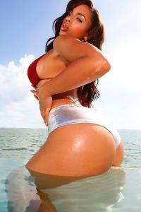 Melyssa Ford sexy butt