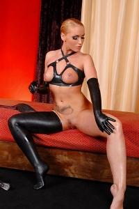 Kathia Nobili Blonde Milf Posing With Nude Tits
