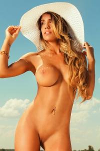 Damn Girl Leonela Ahumada Looking Very Hot