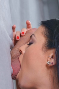 Suzy Fox Enjoys The Glory Hole