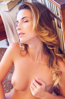 Hungary Star Cara Mell Naked