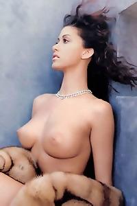 Various Sex Pics Of Shannon Elizabeth